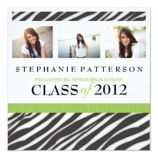 Abschluss-Glamour-Mädchenzebra-Druck mit Grün Quadratische 13,3 Cm Einladungskarte