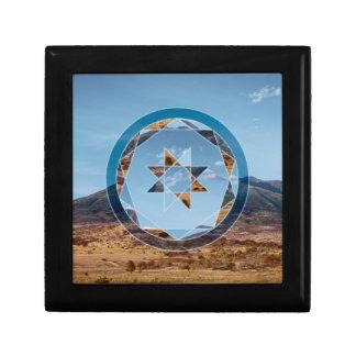Abstrakte Landschaft mit geometrischen Formen Schmuckschachtel