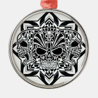 Abstrakte Schädel Rundes Silberfarbenes Ornament