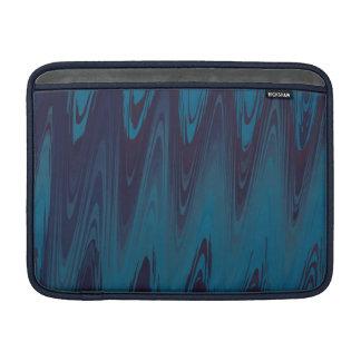 Abstrakte Wellen im Blau MacBook Air Sleeve