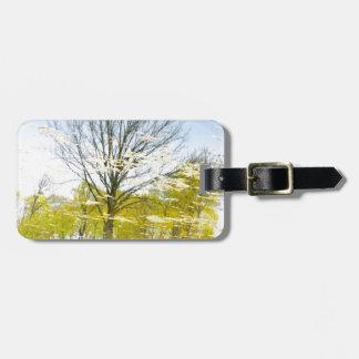 Abstrakter Baum im Herbst Gepäckanhänger