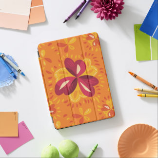 Abstrakter Klee im Rosa und im Gelb iPad Air Cover