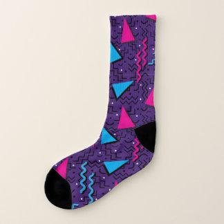 Abstrakter Memphis-Mitternachtsentwurf Socken