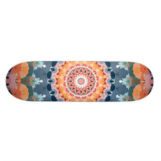 Abstrakter orange Mandala Skateboard