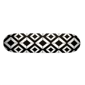 Abstraktes geometrisches Muster - Schwarzweiss. 21,6 Cm Skateboard Deck