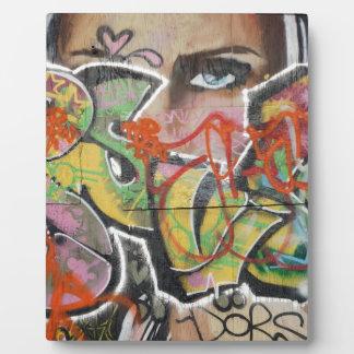 abstraktes Gesicht der Graffitikunstwandtextart Fotoplatte