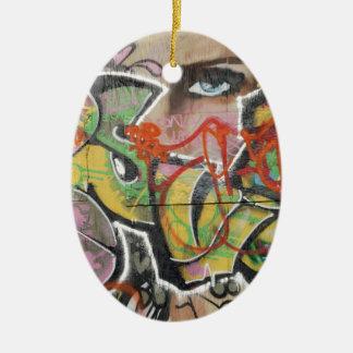 abstraktes Gesicht der Graffitikunstwandtextart Ovales Keramik Ornament