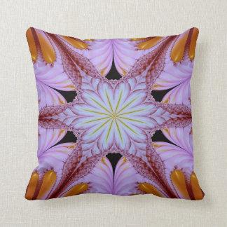 Abstraktes Muster-Blumenstern lila und Brown Kissen