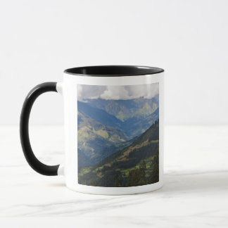 Ackerland und Dorf im Himalaja Tasse