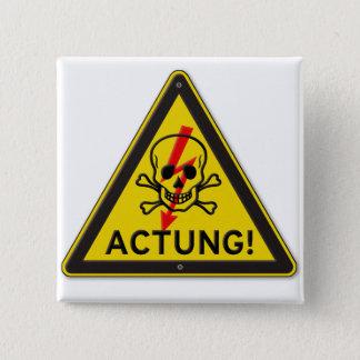 Actung giftiger Totenkopf mit gekreuzter Quadratischer Button 5,1 Cm