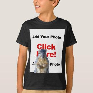 Addieren Sie den T - Shirt eines