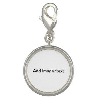 Addieren Sie Ihr Bild und/oder befestigen Wörter Charms