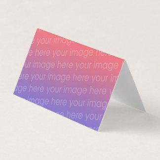 addieren Sie Ihre Bild gefaltete leere Schablone Visitenkarten