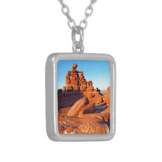 Adeii Eechii Cliffs, Navajo Reservat, bei Cameron, Versilberte Kette