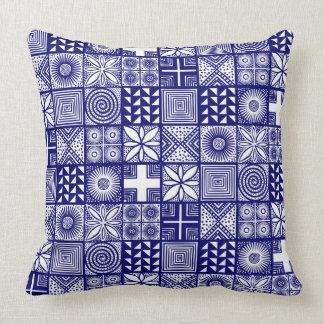 Adire Muster - tief Blau und Weiß Kissen