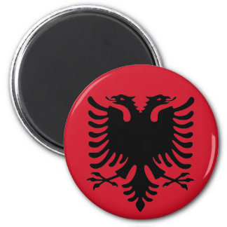 Adler des Albanien-Flaggen-Schwarzen auf einem rot Kühlschrankmagnet
