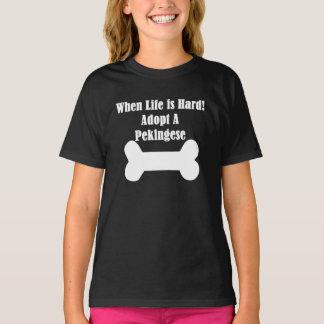 Adoptieren Sie ein Pekingese T-Shirt