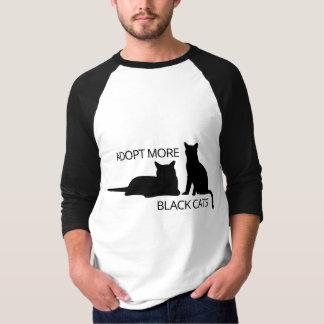Adoptieren Sie schwärzere Katzen T-Shirt