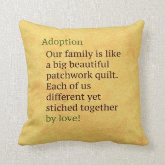 Adoption ist ein Patchwork Kissen