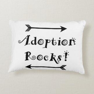 Adoptions-Felsen! Zierkissen
