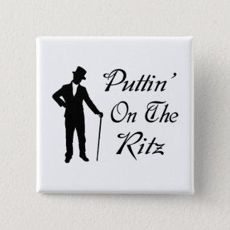 Adretter Mann Puttin auf dem Ritz Quadratischer Button 5,1 Cm