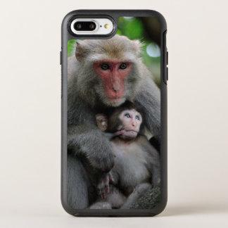 Affe, der ihr Baby Brust-füttert OtterBox Symmetry iPhone 8 Plus/7 Plus Hülle