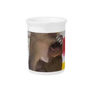 Affe-Mutter u. Baby Krug