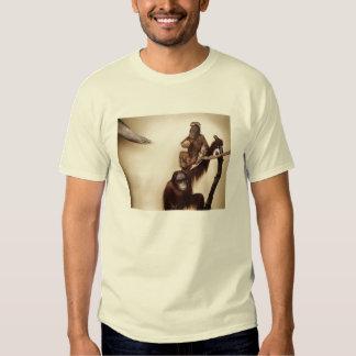 Affen in einem Baum T-Shirts