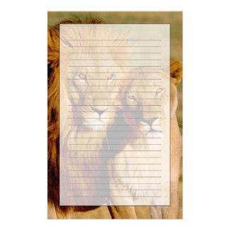 Afrika, Namibia, Okonjima. Löwe u. Löwin Personalisiertes Büropapier