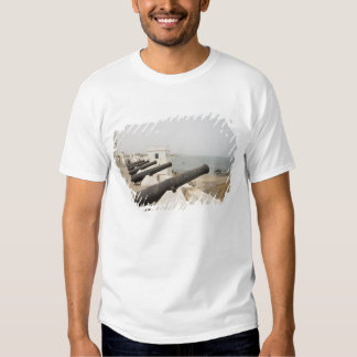Afrika, Westafrika, Ghana, Elmina. Kanonschutz Hemden