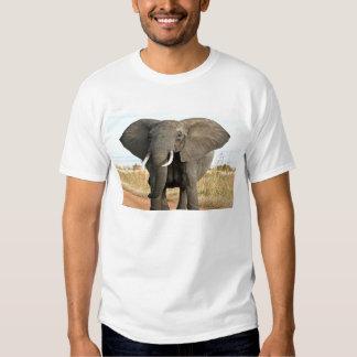 Afrikaner-Bush-Elefant, der zum Erfolgsziel marsch Tshirt