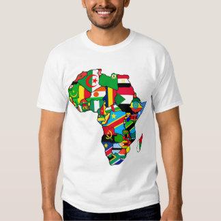 Afrikanische Karte von Afrika-Flaggen innerhalb de T-Shirts