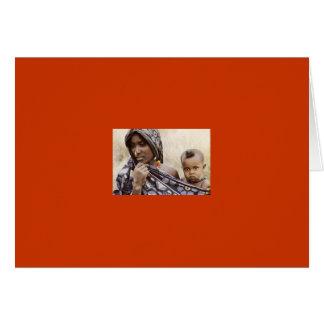 Afrikanische Mamma mit Nasen-Ring und Baby Karte