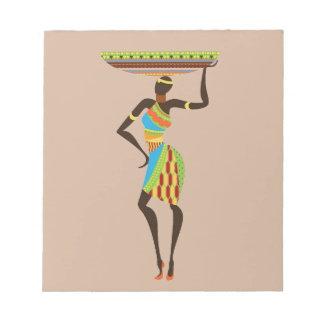 Afrikanische Stammes- Dame mit Stammes- Kunst des Notizblock