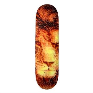 Afrikanischer Löwe-Holzschnitt-kundenspezifisches Skate Board