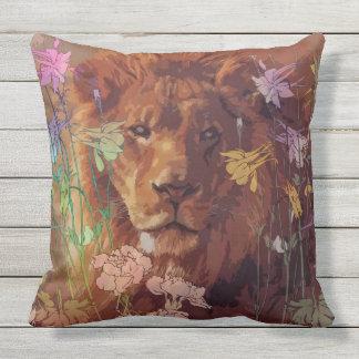 Afrikanischer Löwe Wurfs-Kissen im Freien Kissen