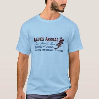 Aggies im Ausland - Entwurf 2 T-Shirt