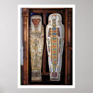 Ägyptischer Sarkophag bedeckt mit Hieroglyphen (p Poster
