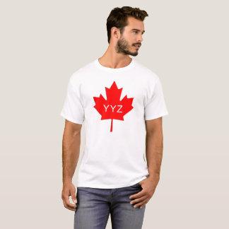 Ahornblatt - Toronto-Flughafen-Code T-Shirt