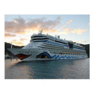 AIDAluna Kreuzschiff in der Straßen-Stadt auf Postkarte
