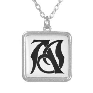 AJ Monogramm Halskette Mit Quadratischem Anhänger