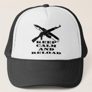 AK-47 behalten Ruhe und Umladen Truckerkappe