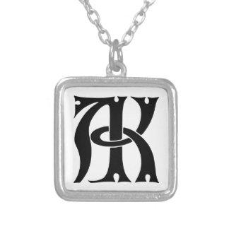 AK Monogramm Halskette Mit Quadratischem Anhänger