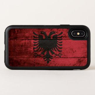 Albanien-Flagge auf altem hölzernem Korn OtterBox Symmetry iPhone X Hülle