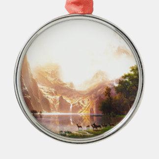 Albert Bierstadt unter der Sierra Nevada Silbernes Ornament