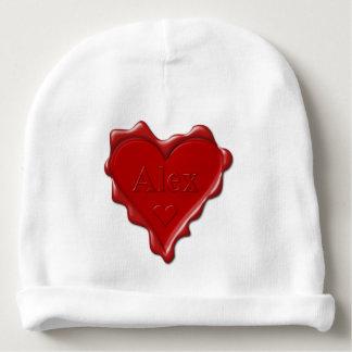 Alex. Rotes Herzwachs-Siegel mit Namensalex Babymütze