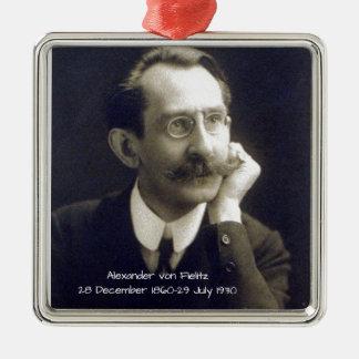 Alexander von Fielitz Silbernes Ornament