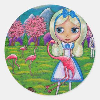 Alice im Wunderland und der Flamingo-Aufkleber Runder Aufkleber