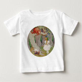 Alice und die Cheshire-Katze im Märchenland Baby T-shirt