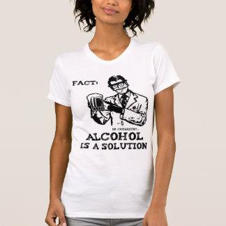 Alkohol ist eine Lösung in der Chemie Shirt